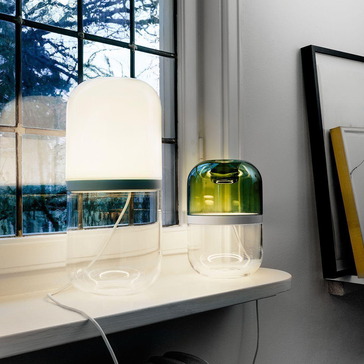 Lámparas demi combinadas en un espacio